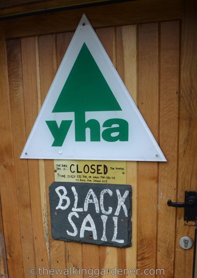 Black Sail Youth Hostel